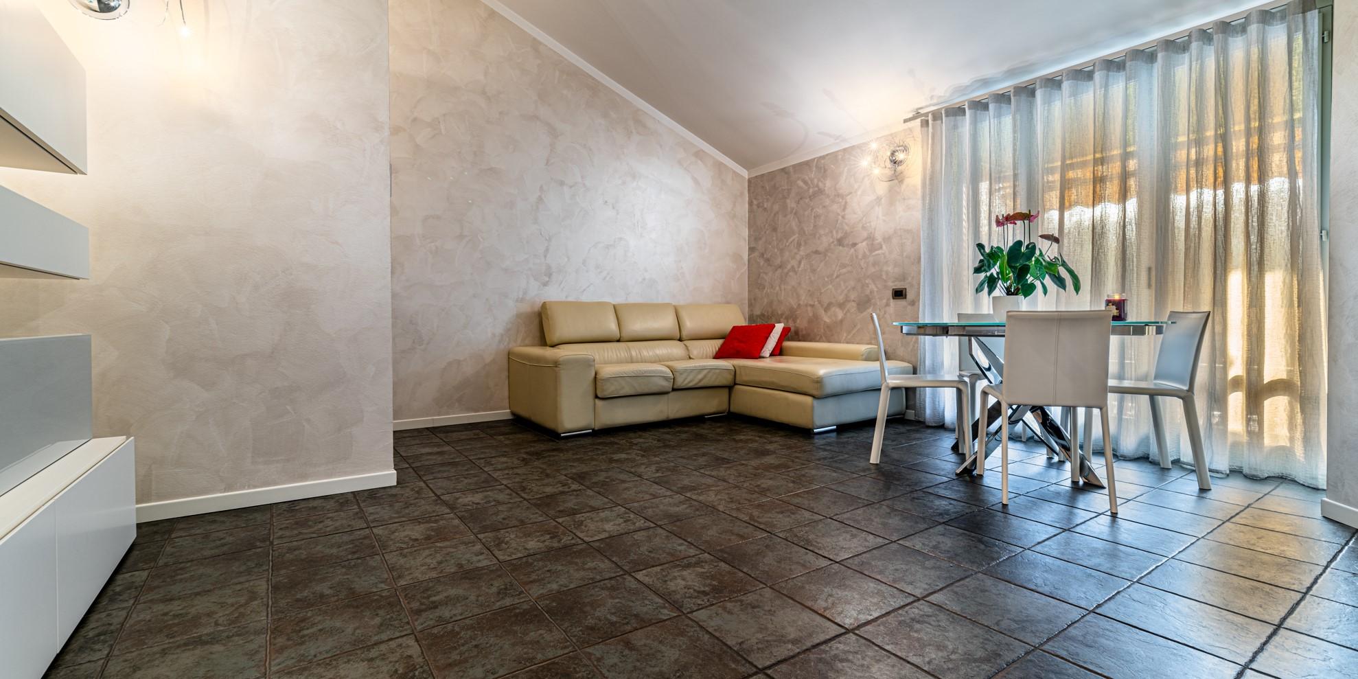 Appartamento trilocale Albino con terrazzo vivibile