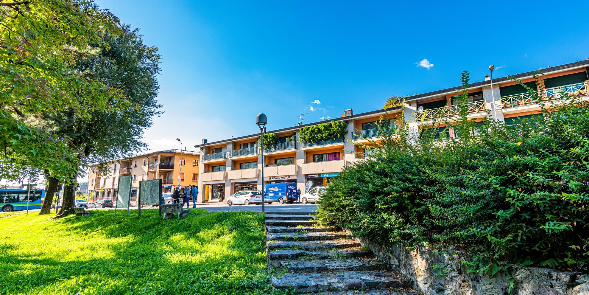 Quadrilocale in vendita Albino, Bergamo con ascensore e box